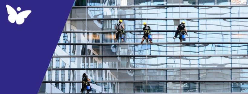 Come pulire i fogli protettivi dei vetri delle finestre
